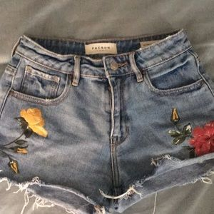 Size 24 PacSun Flowered shorts